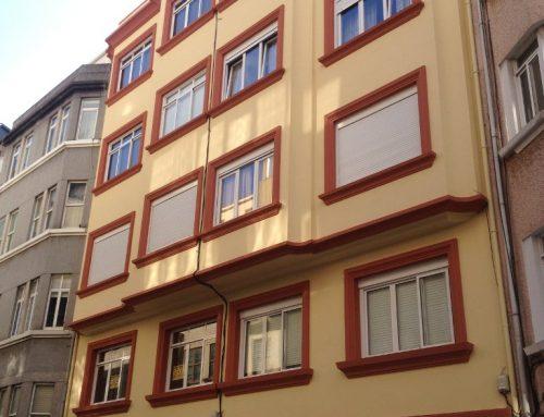 Rehabilitación y pintura de fachada en C/ Santander de A Coruña
