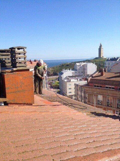 Reparación de tejado en Urb. As Lagoas – A Coruña